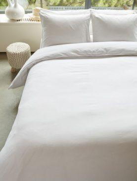 Lenjerie alba pat bumbac Basic White 200x200/220 cm