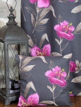 Perna decorativa flori mov bumbac Lancaster 50x50 cm