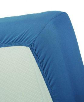 cearceaf albastru pentru pat