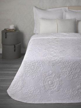 Cuvertura pat alba flori 7617 Makemo 235x260 cm