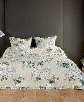 cuvertura flori albe pat