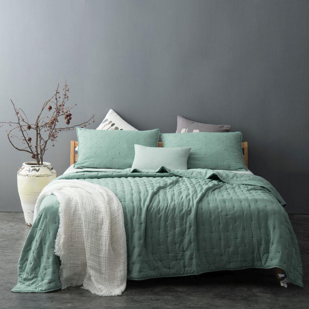 cuvertura pat verde eleganta 5095 Iroise col 80