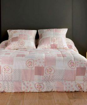 cuvertura pat roz trandafiri