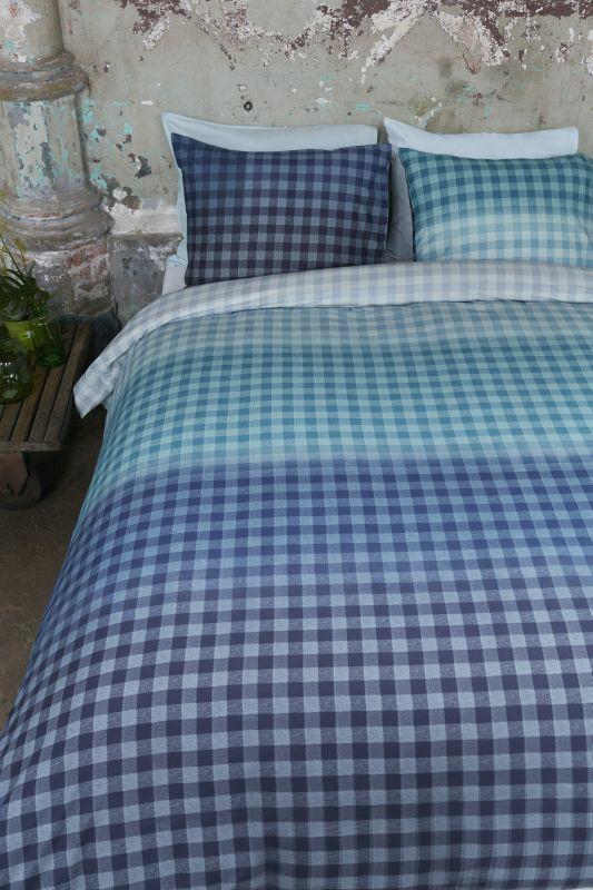 lenjerie-carouri-albastre-pat-guana-blue-online
